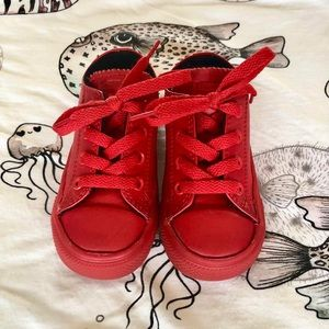 Converse Red toddler size 7